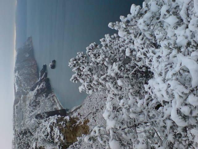 Снег на Черном море явление редкое.